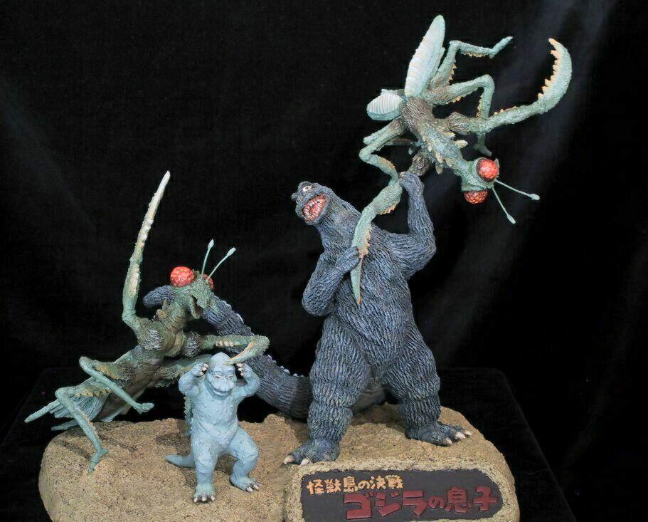 more Kaiju kung-fu with....GODZILLA AND MINYA VS KAMAKIRIS ...
